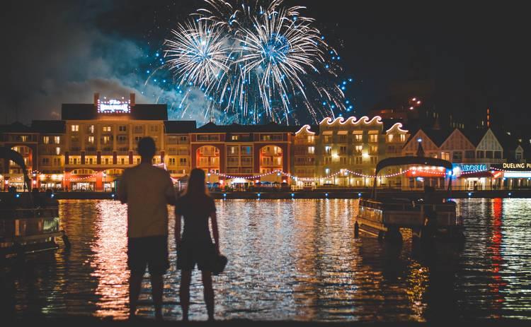 Выходные и праздники в январе 2021 года в Украине: сколько будем отдыхать на Новый год и Рождество