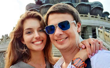 Дмитрий Комаров сделал паузу в экспедиции, чтобы встретить Новый год с любимой женой
