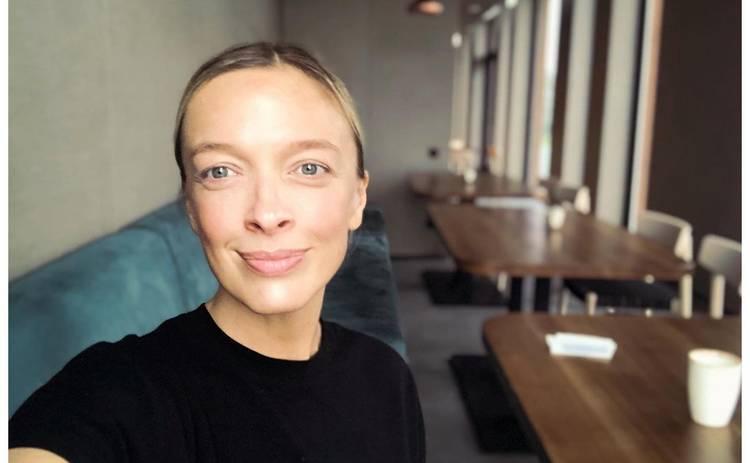 Беременная Василиса Фролова снялась для глянца полностью обнаженной ‒ фото
