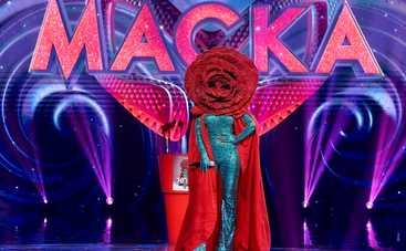 МАСКА: участница в костюме Розы заявила, что у нее были отношения с одним из детективов