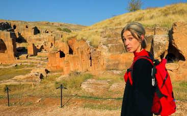 Орел и Решка. Девчата: ведущая проекта нашла в Турции уникальное кладбище