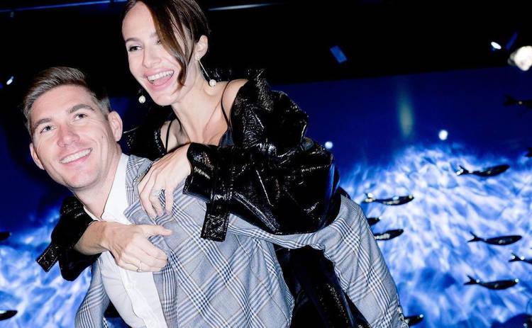 Владимир Остапчук с женой зажгли на Мальдивах: Страстные танцы на пляже