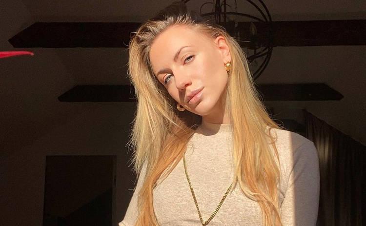 Леся Никитюк поделилась пикантным кадром в ультра мини ‒ фото