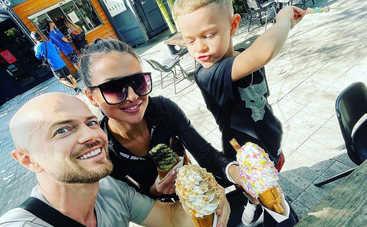 Какие милые создания: Влад Яма с женой и сыном посетили огромный зоопарк в Майами