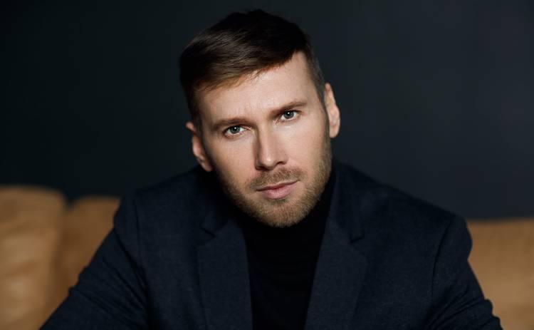 Актер Алексей Комаровский – о праздновании Дня рождения, подарках, инсайтах года, приобретениях и разочарованиях