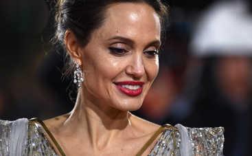 СМИ: Анджелина Джоли собирается показать доказательства домашнего насилия со стороны Питта