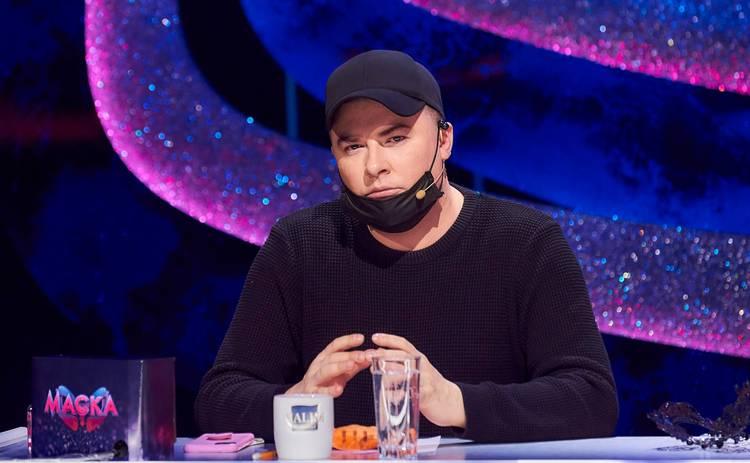 МАСКА: Андрея Данилко застукали на съемках за объятиями с эксцентричной женщиной