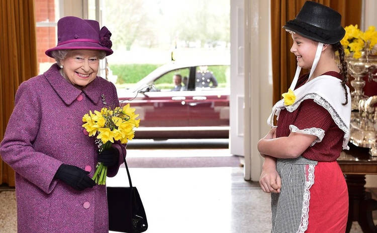 Елизавета II в десятый раз стала прабабушкой