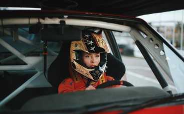 Уроки жизни и вождения: канал Украина покажет премьеру фильма о бывшей автогонщице