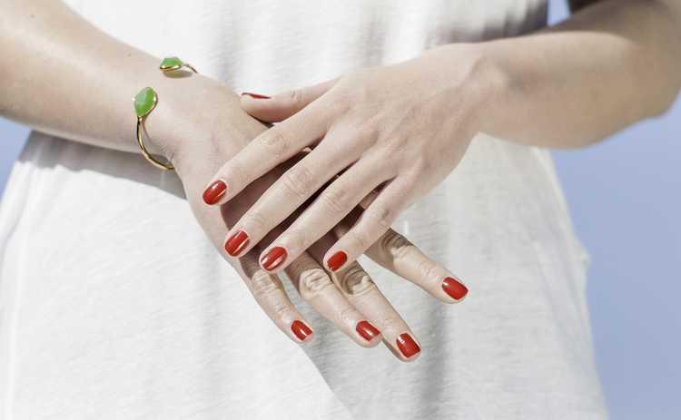 Как ухаживать за кожей рук в весенний период