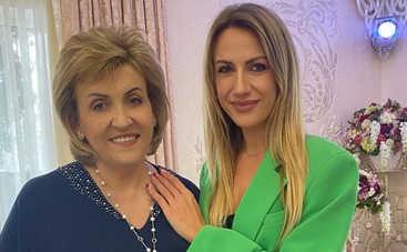 День матери 2021: Сергей Бабкин, Леся Никитюк, Dzidzio и другие поздравили матерей с праздником