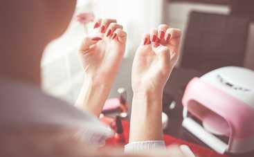 Ученые объяснили, почему у женщин часто слоятся ногти