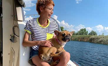 Аферисты в сетях-6: Елена-Кристина Лебедь рассказала о плюсах и минусах путешествий с собакой