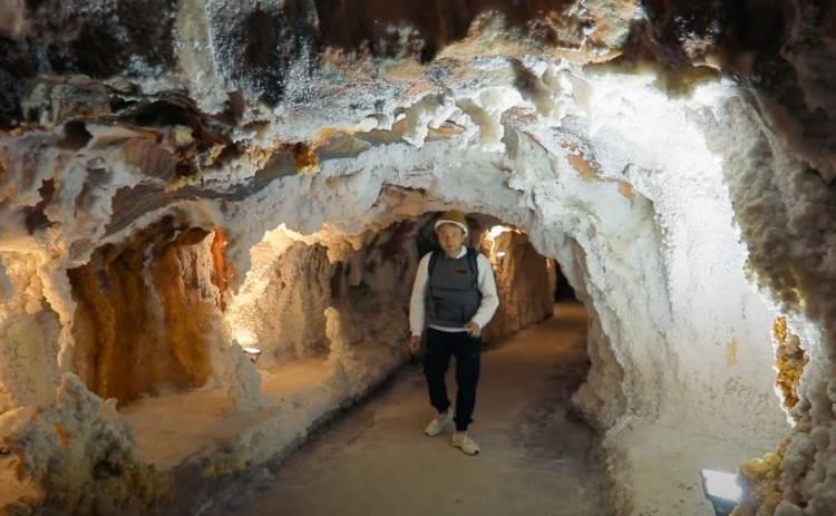 Орел и Решка. Чудеса света: ведущий тревел-шоу спустился в самую большую соляную пещеру в Европе