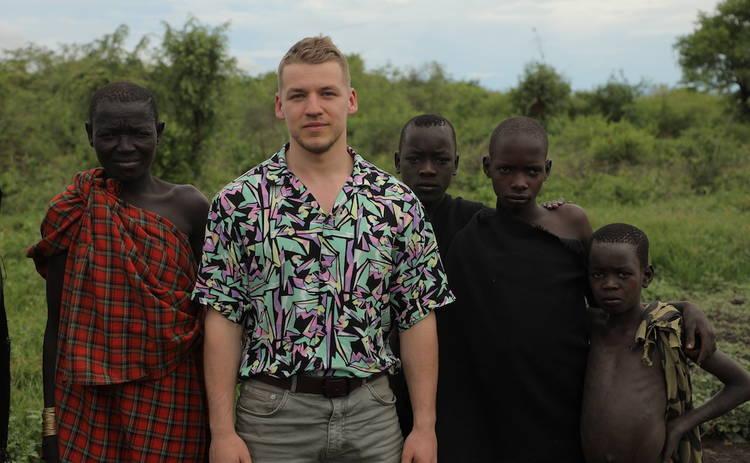 Орел и Решка. Земляне: Кирилл Макашов пил кровь с молоком в эфиопском племени