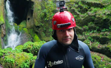 Орел и Решка. Чудеса света: ведущий тревел-шоу побывал на экстрим-туре в испанской пещере