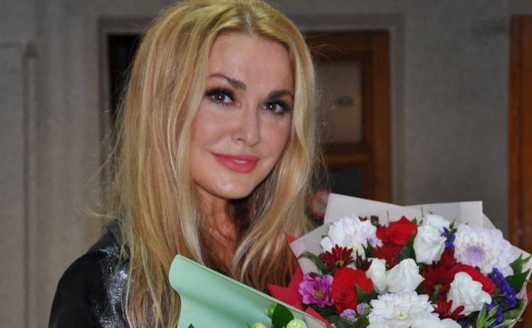 Ольга Сумская записала гневное видеообращение с поезда: Гастроли закончились не очень приятно