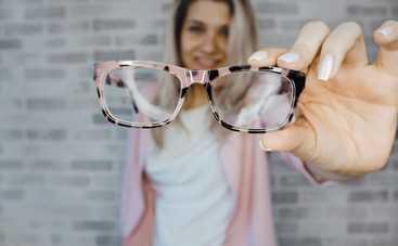 Как правильно ухаживать за очками