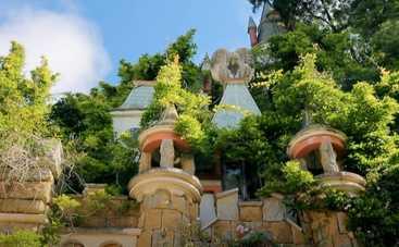 Орел и Решка. Чудеса света: ведущий тревел-шоу нашел диснеевский замок Золушки в Португалии