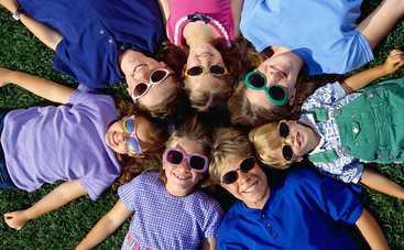 Сонцезахисні окуляри для дитини: на що звернути увагу