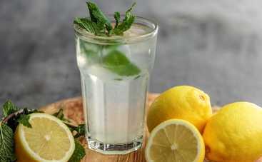 """Простой рецепт домашнего лимонада от шефа """"Адской кухни"""" Алекса Якутова"""