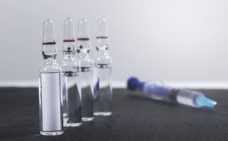 Побочные эффекты от COVID-вакцинации, при которых нужно срочно идти к врачу