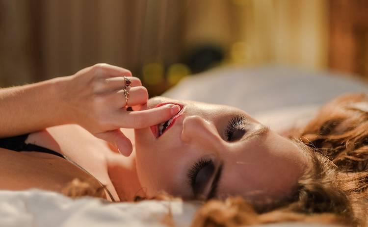 Почему не стоит смотреть порно, а лучше отдать предпочтение эротическим фильмам: ТОП фильмов от сексолога