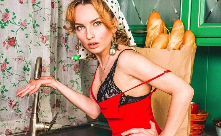 Виктория Булитко похвасталась в Сети упругими ягодицами в купальнике