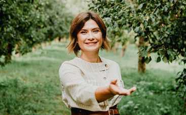 Ведущая 1+1 Ирина Ванникова снялась в тропической фотосессии: фотопроект, спасающий жизнь