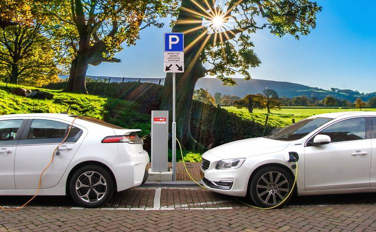 В одной из стран Европы почти перестали покупать дизельные и бензиновые автомобили