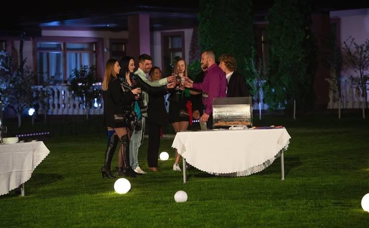 Эксы 3 сезон 1 выпуск – подробности: первая вечеринка для пар закончилась слезами, криками и ужасной дракой