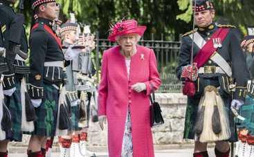 Елизавета II стала прабабушкой в 12 раз: принцесса Беатрис родила первенца