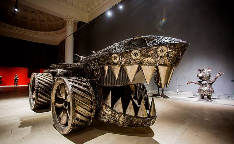 Галерея стальных фигур: на выставке можно увидеть персонажей