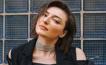 Анастасия Оруджова обнажила грудь в новой фотосессии: фото вызвало в Сети шквал эмоций