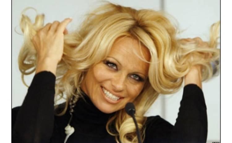 Памелла Андерсон снялась в клипе у российской группы
