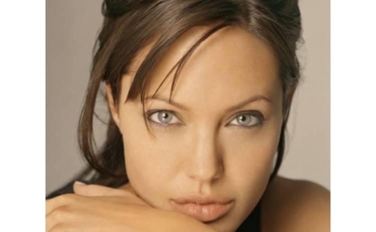 Анджелина Джоли возвращается в Штаты