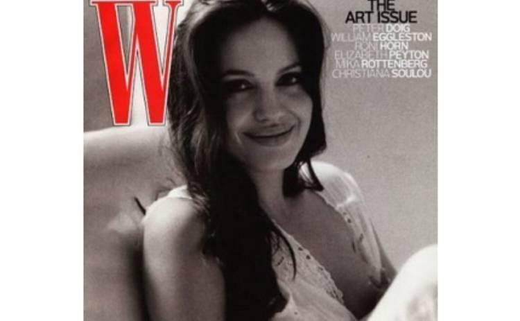 Американцы увидят грудь Джоли