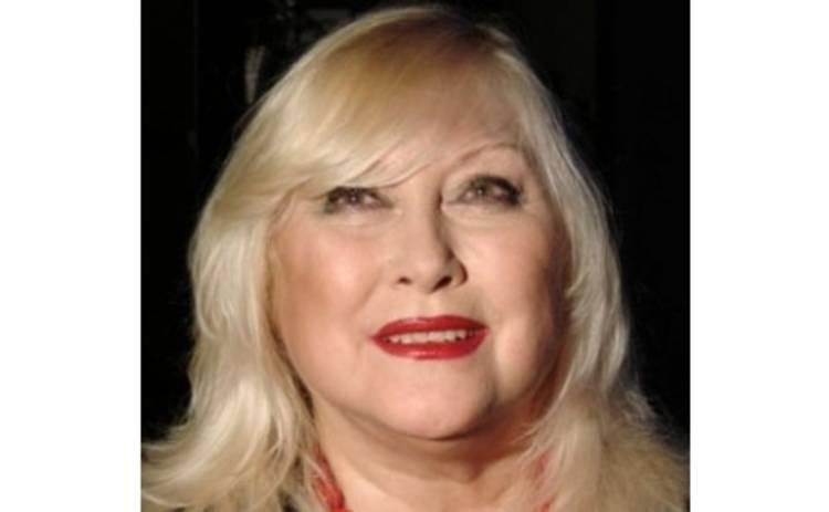 Ирина Мирошниченко готовит себя в писатели