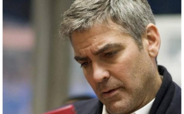 Джордж Клуни работает во время катастрофы