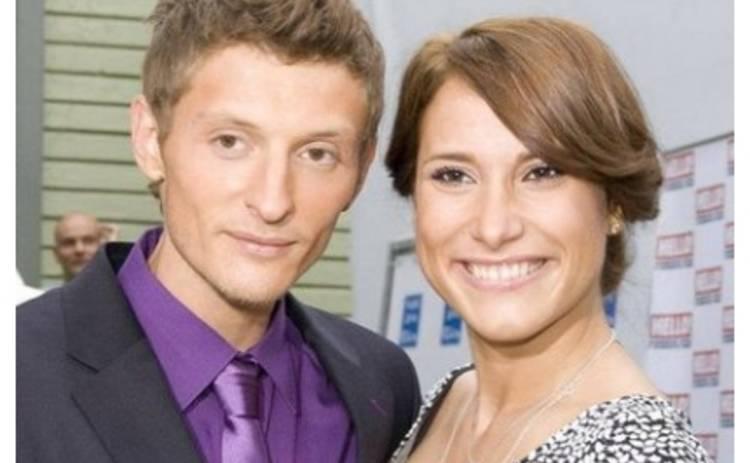 Паша Воля и Марика не стесняются страстно целоваться на публике