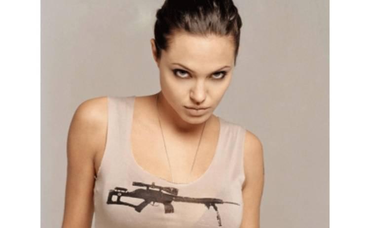 """Анджелина Джоли – """"девочка-панк с татуировками"""""""