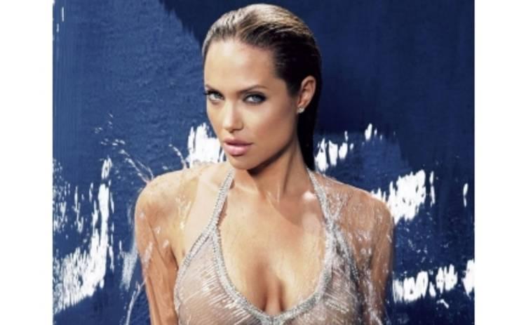 Анджелину Джоли переплюнули