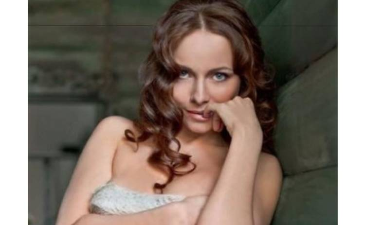 Екатерина Гусева обнажилась перед грузчиками ФОТО