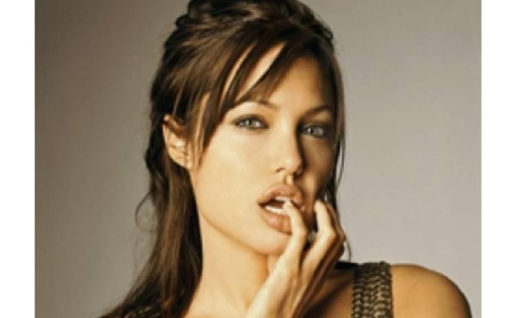 Джоли портит жизнь Ванессе Паради