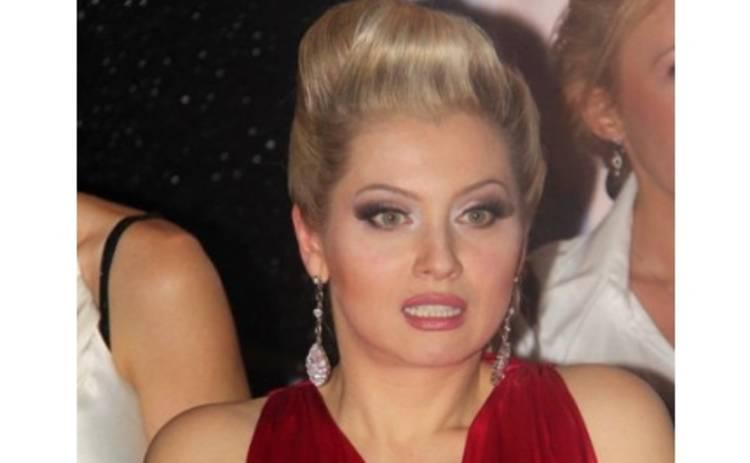 Лену Ленину приняли за проститутку