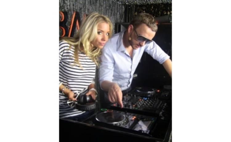 Задай вопрос девушке Blonda и DJ Lutique!