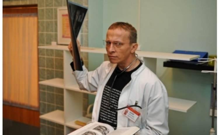 Доктор Быков завел новый роман