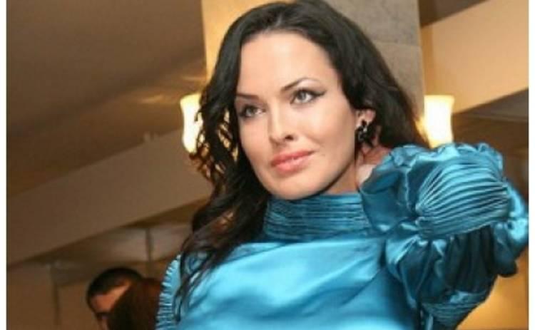 Даша Астафьева в постели и без макияжа