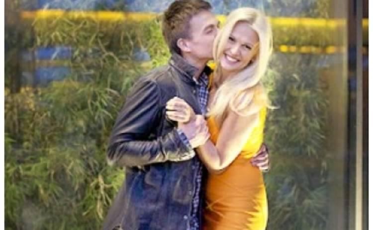 Влад Топалов и Виктория Лопырева сломали кровать