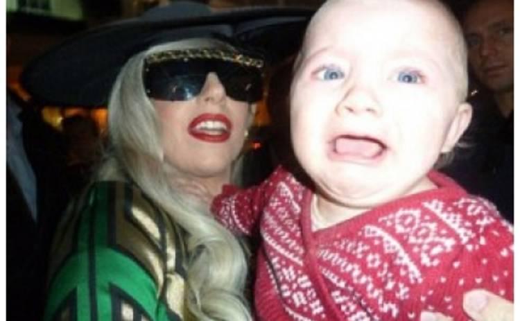 Из-за Lady Gaga разрыдался младенец